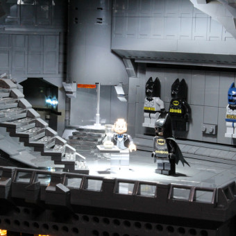 Impressive Bat Cave made out of LEGO