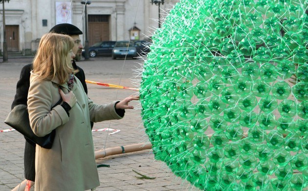 Christmas Tree Made From 40,000 Recycled Plastic Bottles